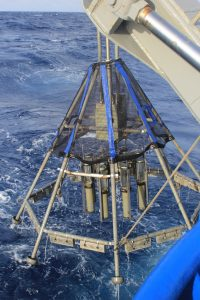 multi-corer-recovery-with-deep-sea-sediments
